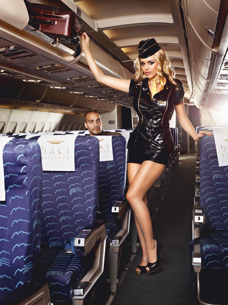 Стюардесса в мини юбке 5 фотография