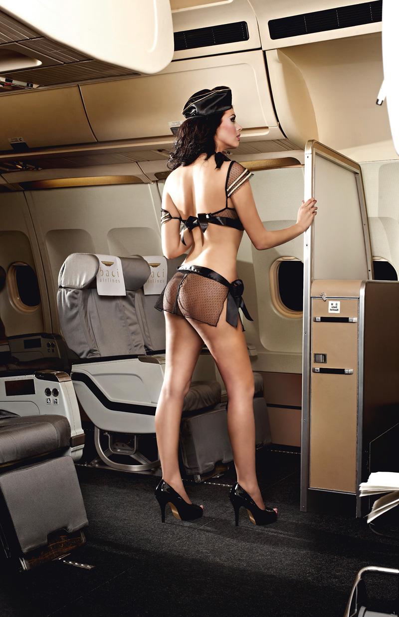 Стюардесса в мини 1 фотография